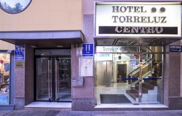 Entrada Hotel Torreluz Centro